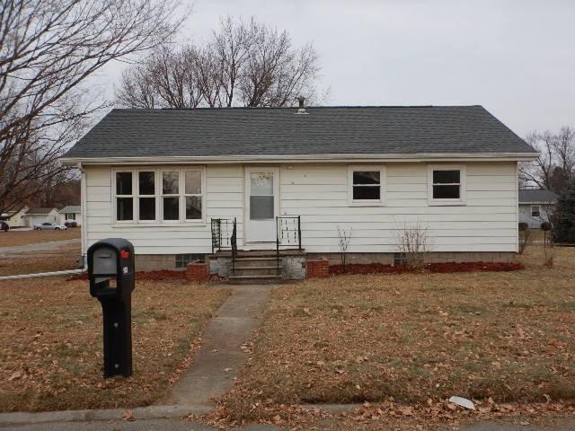 900 Fillmore Street, Laporte City, IA 50651 (MLS #20186522) :: Amy Wienands Real Estate