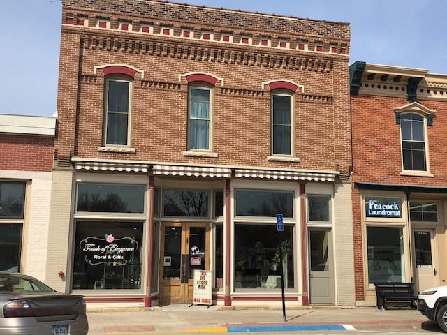 140 S Main Street, Fayette, IA 52142 (MLS #20192599) :: Amy Wienands Real Estate