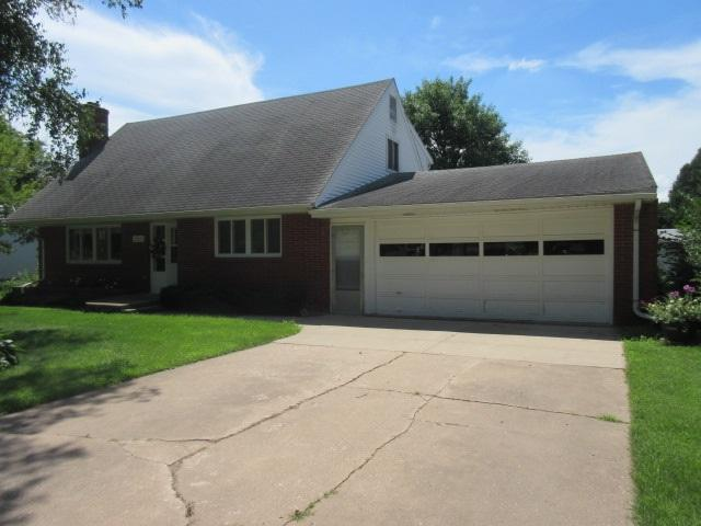 507 NE Andrew Street, Hopkinton, IA 52237 (MLS #20193546) :: Amy Wienands Real Estate