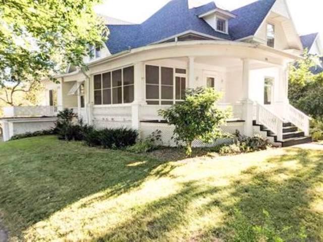 303 1st St Ne, Oelwein, IA 50662 (MLS #20195613) :: Amy Wienands Real Estate