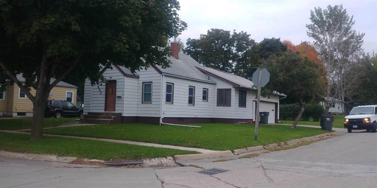 433 3rd Ave Se - Photo 1