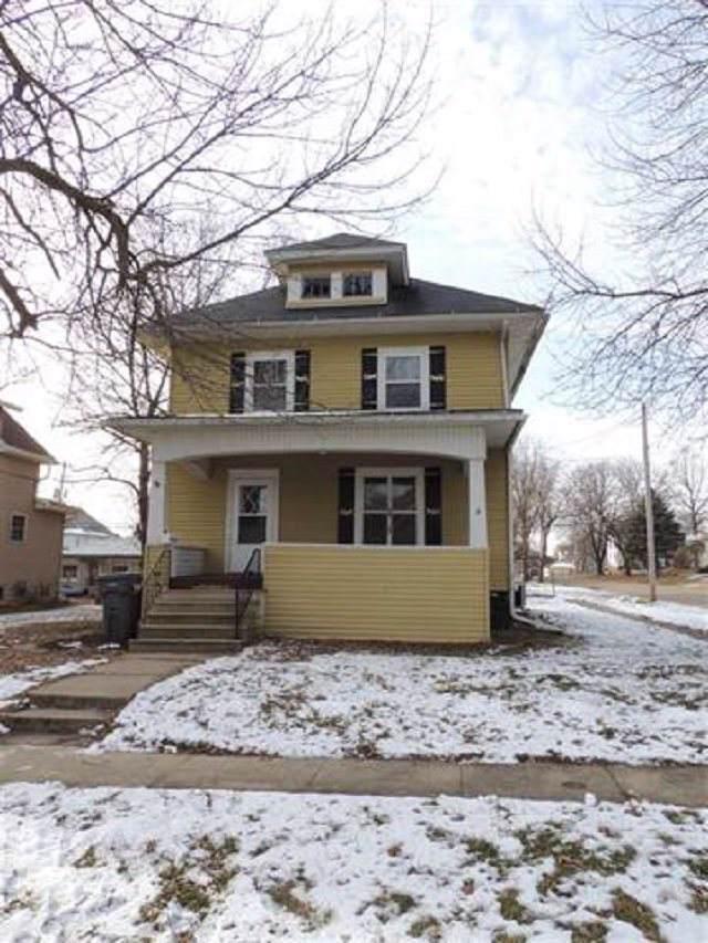 320 NE 2nd Avenue, Oelwein, IA 50662 (MLS #20195890) :: Amy Wienands Real Estate