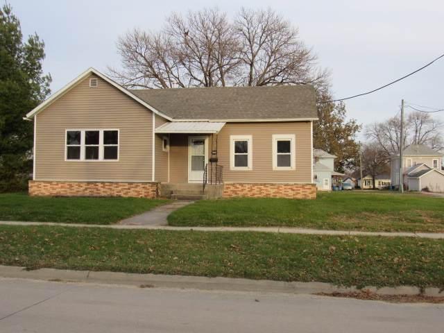 311 S Cedar Street, Monticello, IA 52310 (MLS #20196067) :: Amy Wienands Real Estate