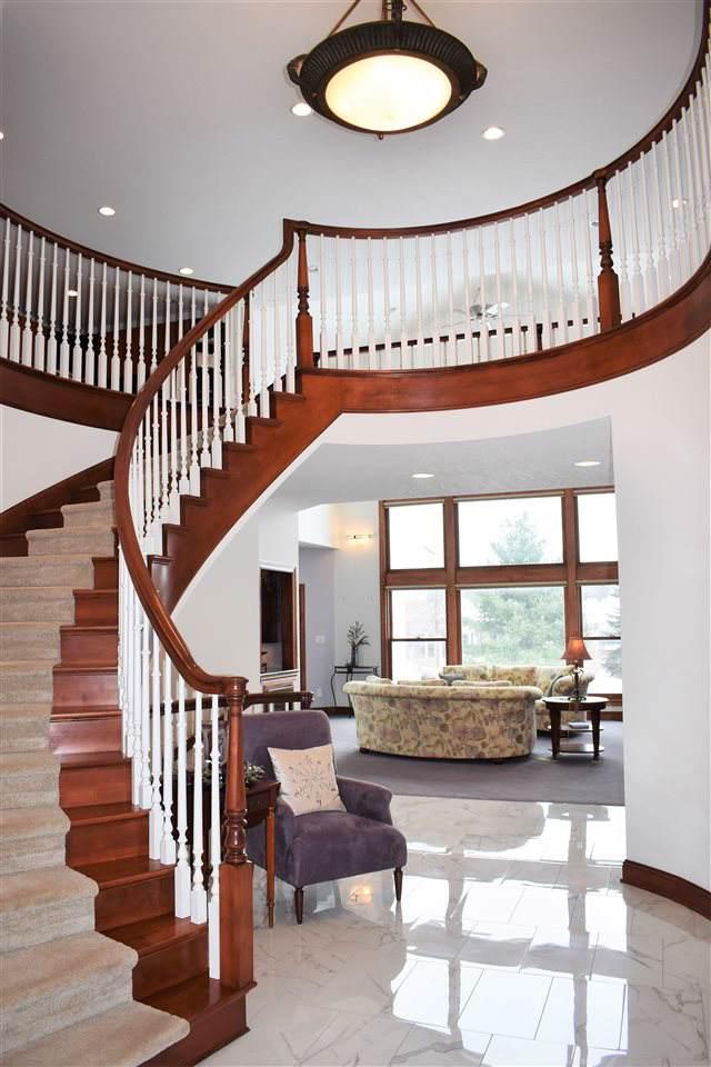 3024 Wellington Drive, Cedar Falls, IA 50613 (MLS #20196354) :: Amy Wienands Real Estate