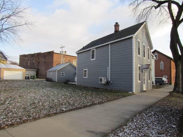 419 S 1st Street, Guttenberg, IA 52052 (MLS #20196465) :: Amy Wienands Real Estate