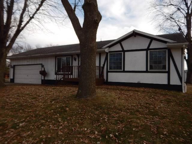 901 SW 3rd Avenue, Oelwein, IA 50662 (MLS #20196583) :: Amy Wienands Real Estate