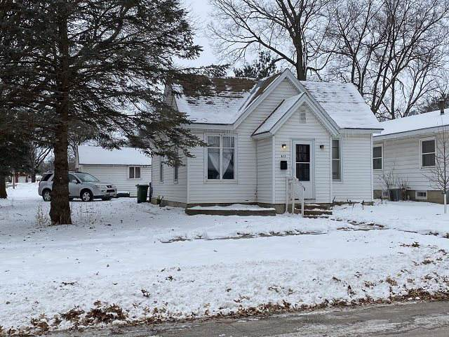 811 Clinton Street, Charles City, IA 50616 (MLS #20200393) :: Amy Wienands Real Estate