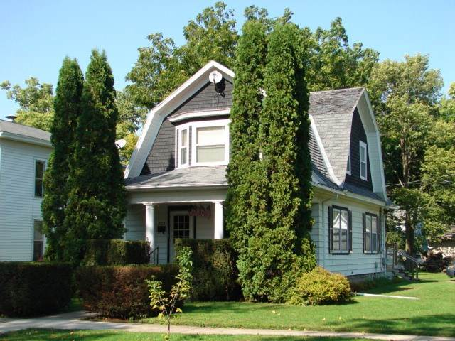 303 Spriggs Street, Charles City, IA 50616 (MLS #20201460) :: Amy Wienands Real Estate