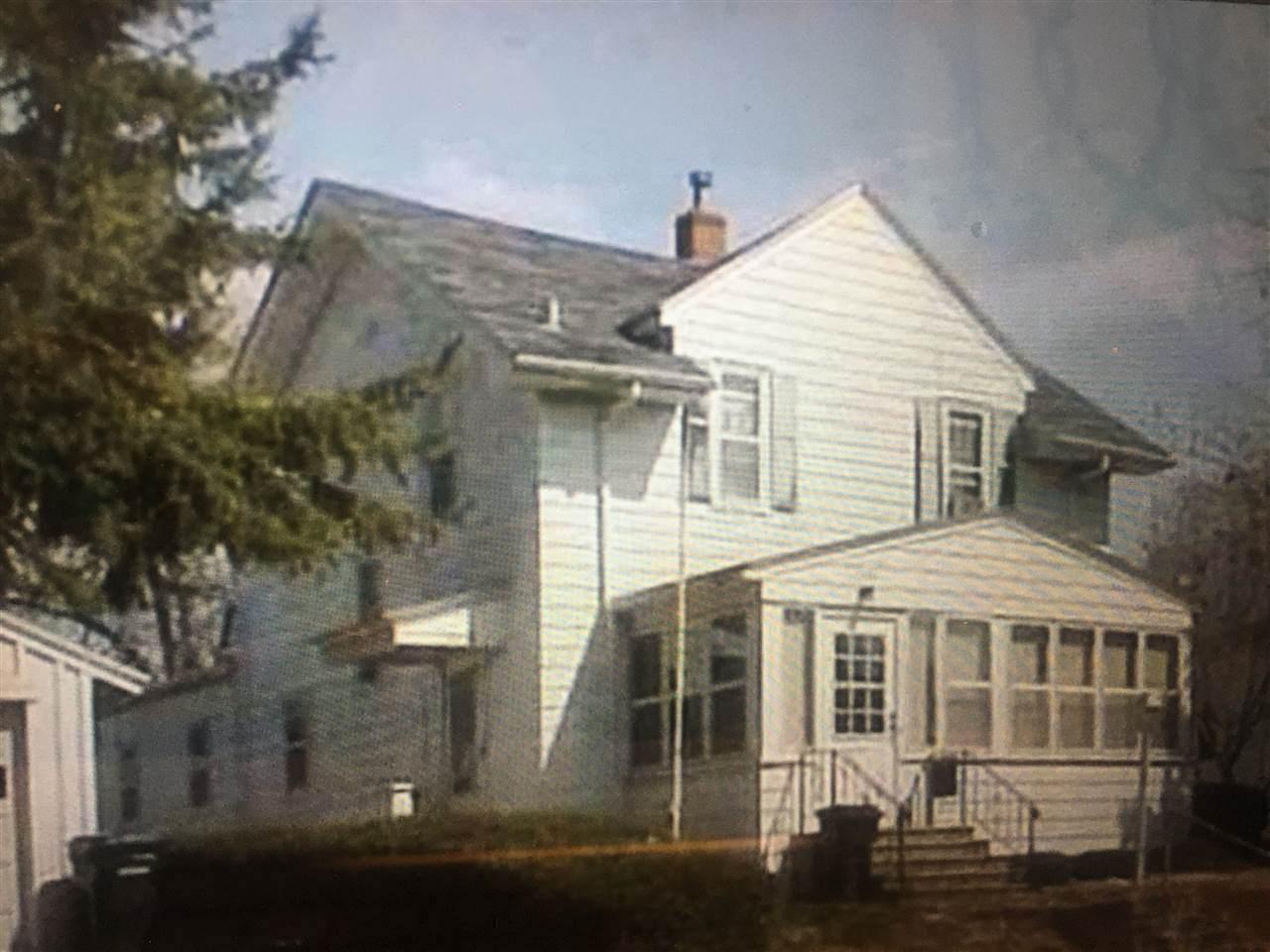 1113 Leavitt Street - Photo 1