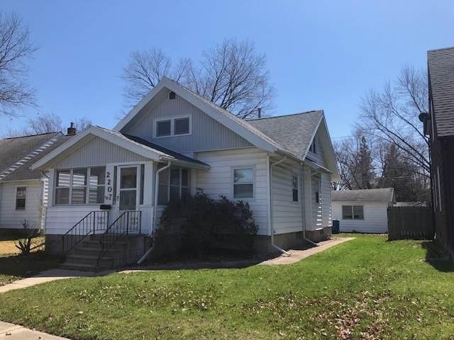 2207 W 3, Waterloo, IA 50701 (MLS #20201815) :: Amy Wienands Real Estate