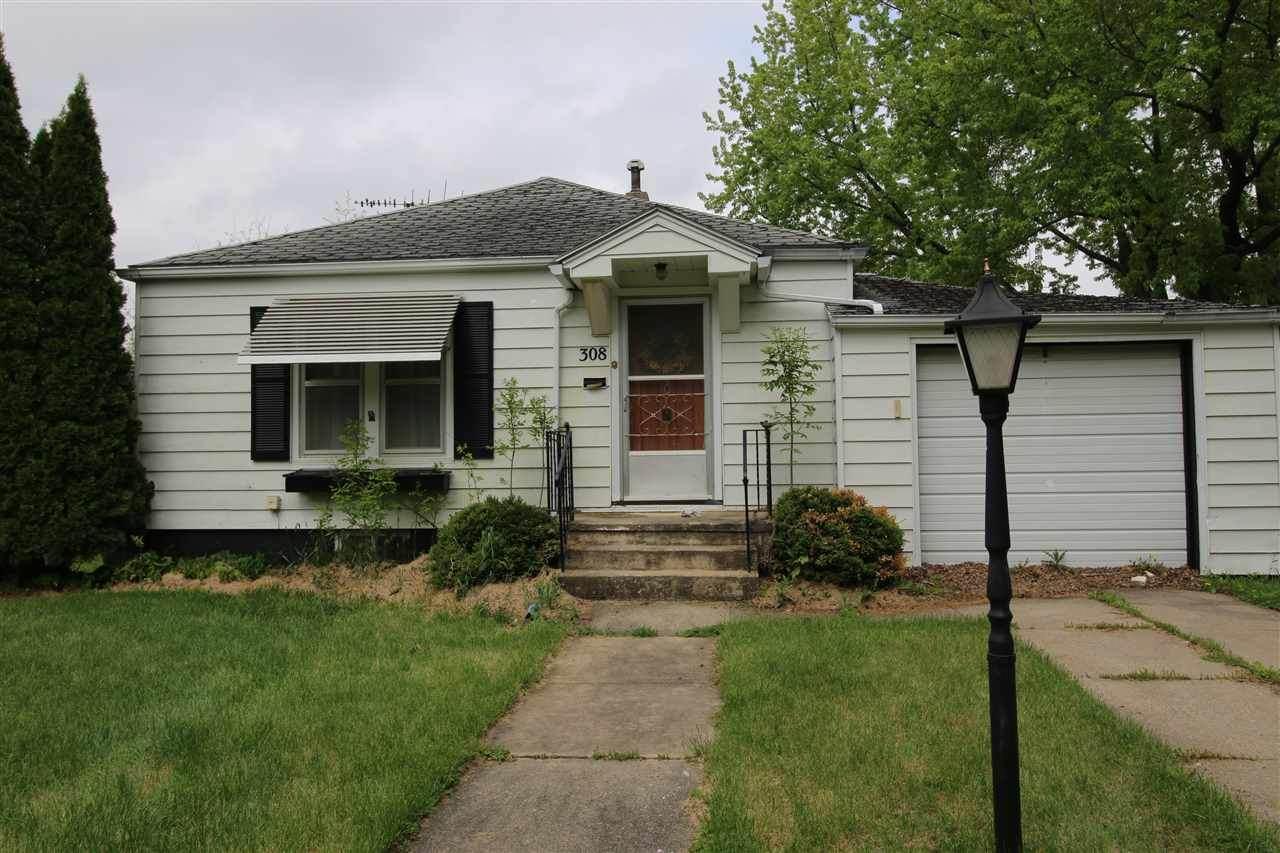308 6th Ave Se - Photo 1