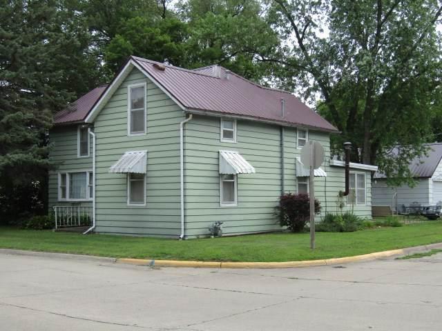 703 N 3rd Street, Guttenberg, IA 52052 (MLS #20203585) :: Amy Wienands Real Estate