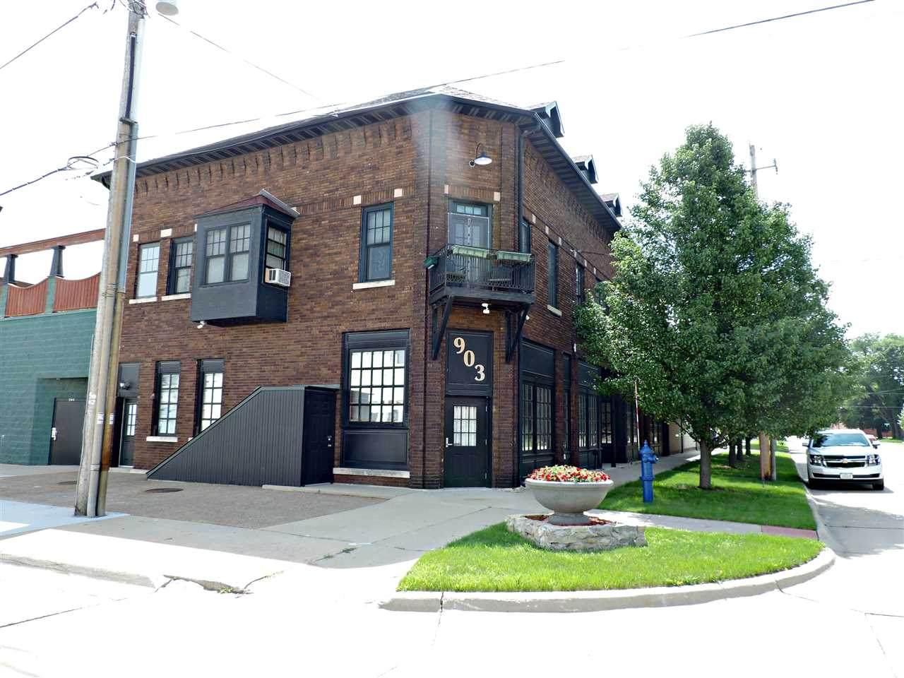 903 Sycamore Street - Photo 1