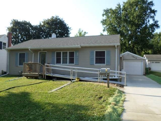 1313 SW 2nd Avenue, Waverly, IA 50677 (MLS #20204072) :: Amy Wienands Real Estate