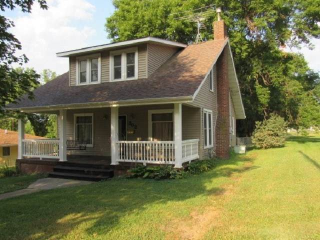 302 S Walnut Street, Monticello, IA 52310 (MLS #20204166) :: Amy Wienands Real Estate
