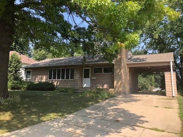 925 Easton Avenue, Waterloo, IA 50702 (MLS #20204320) :: Amy Wienands Real Estate