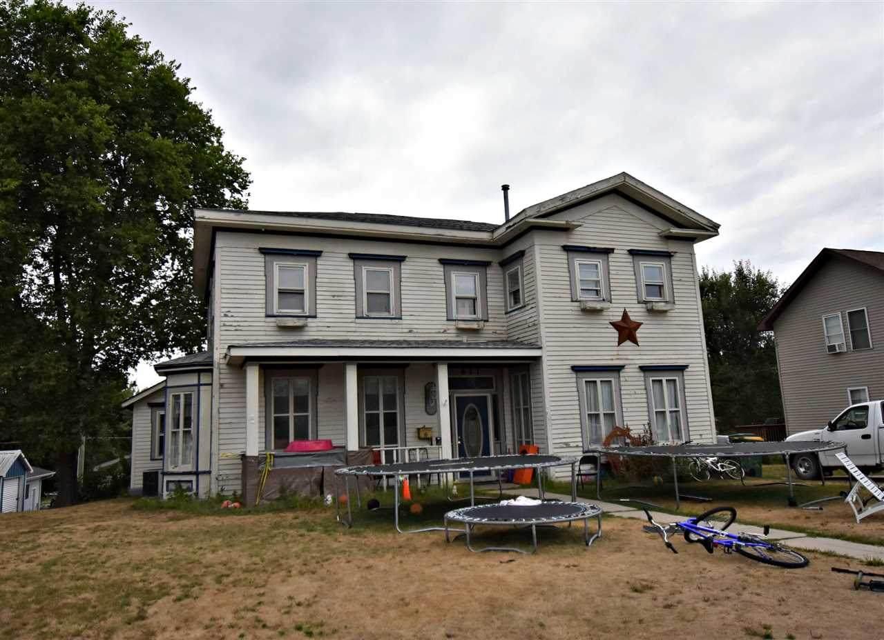 611 3rd Ave. N.E. - Photo 1