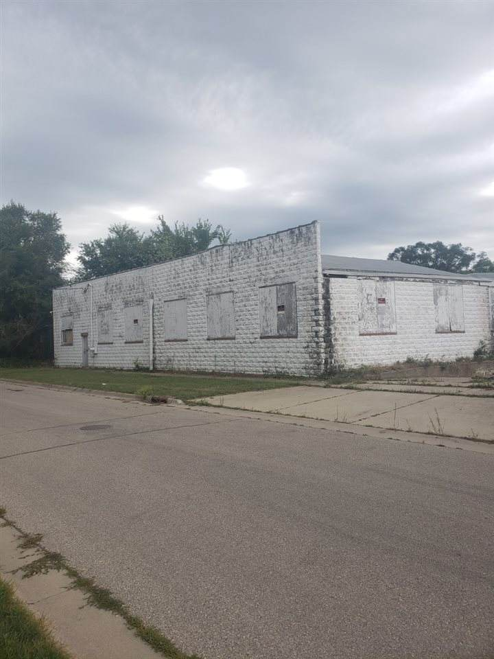 710 Linden Avenue - Photo 1