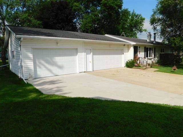 231 Hawkeye Court, Cresco, IA 52136 (MLS #20204675) :: Amy Wienands Real Estate
