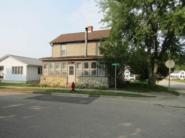 802 S 1st Street, Guttenberg, IA 52052 (MLS #20204795) :: Amy Wienands Real Estate