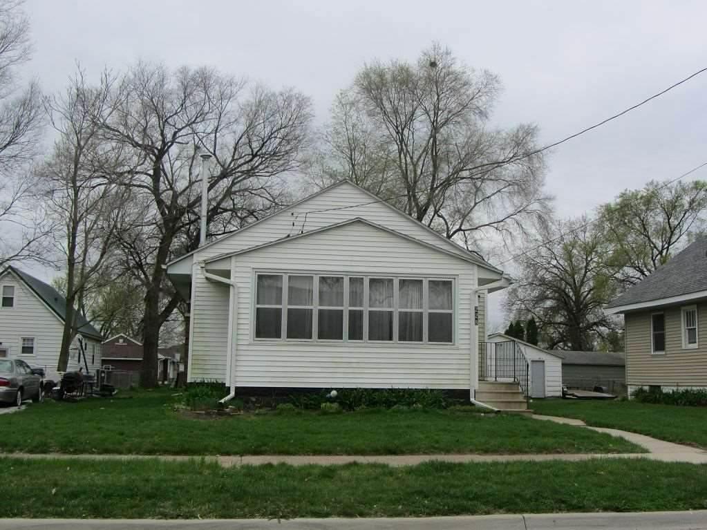 228 Charles Street - Photo 1