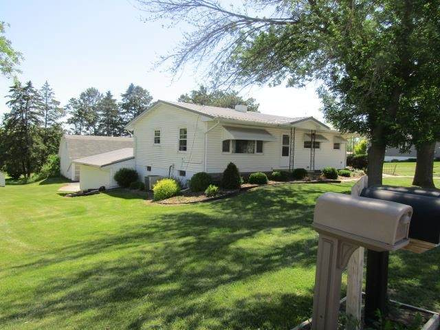 307 S Monroe Street, Garnavillo, IA 52049 (MLS #20212473) :: Amy Wienands Real Estate