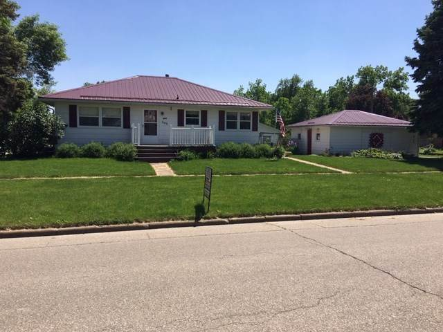 302 Wilson Street, Dysart, IA 52224 (MLS #20212641) :: Amy Wienands Real Estate