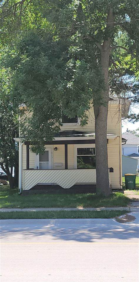 613 1st St E, Independence, IA 50644 (MLS #20213078) :: Amy Wienands Real Estate