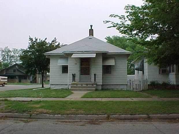 750 Newton Street - Photo 1