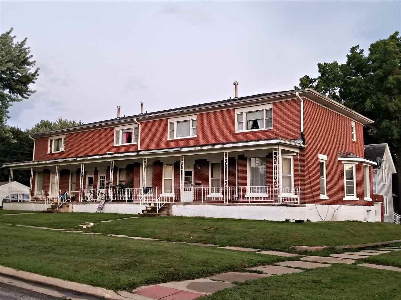 302-306 1/2 1st St. S.E. - Photo 1