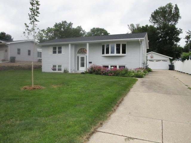 1322 Pleasant Valley Drive, Waterloo, IA 50701 (MLS #20183303) :: Amy Wienands Real Estate