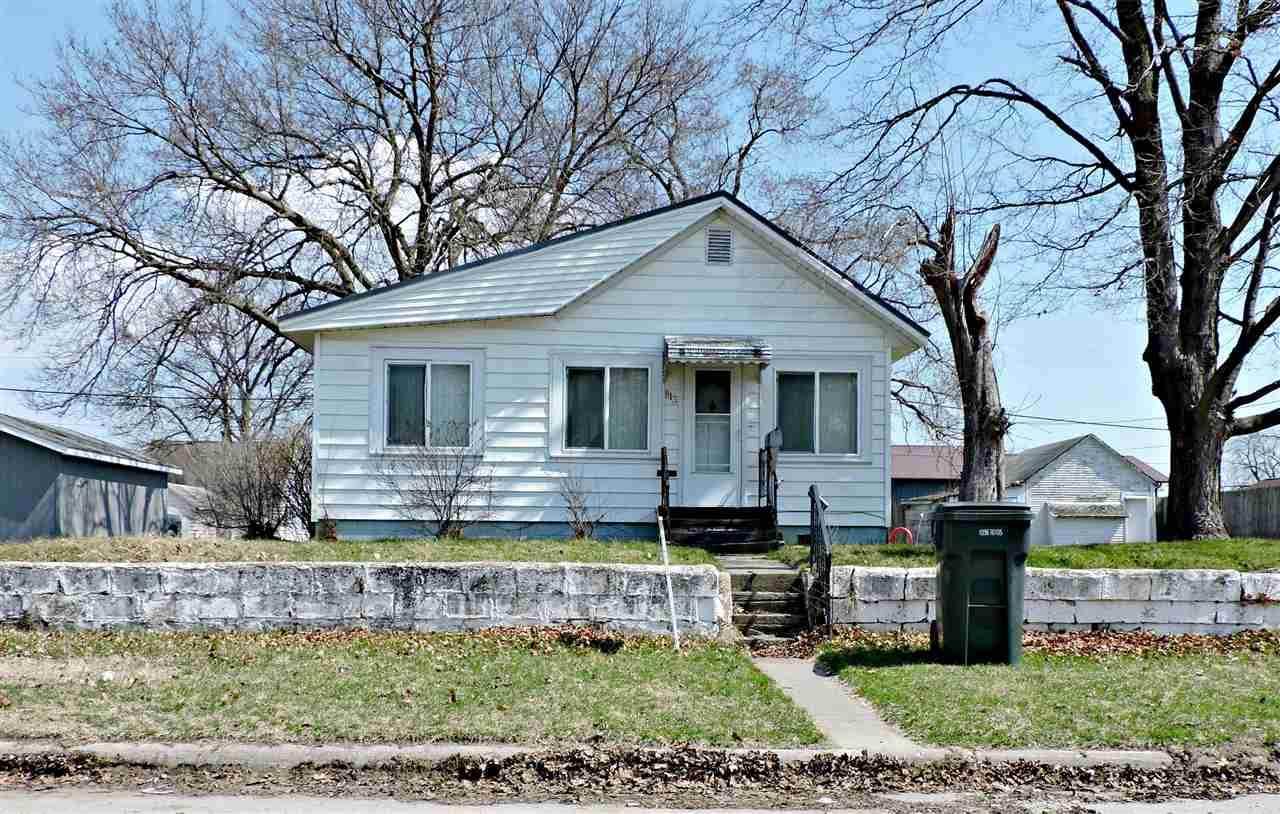 813 Knoll Avenue - Photo 1
