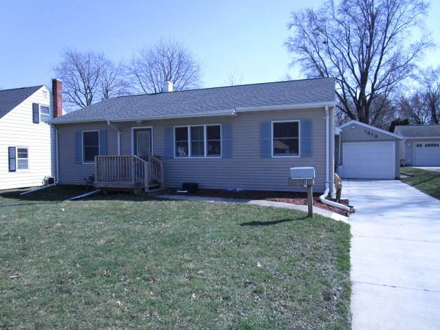 1313 2nd Ave Sw, Waverly, IA 50677 (MLS #20210559) :: Amy Wienands Real Estate