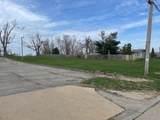 2808 Schaeffer Drive - Photo 3