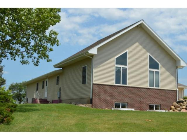 3250 56th St Trail, Center Point, IA 52213 (MLS #1703366) :: The Graf Home Selling Team