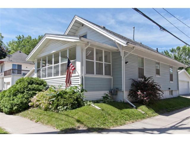 712 10th Street NW, Cedar Rapids, IA 52405 (MLS #1706113) :: The Graf Home Selling Team