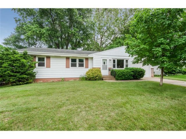 127 Wesley Drive NW, Cedar Rapids, IA 52405 (MLS #1706441) :: The Graf Home Selling Team