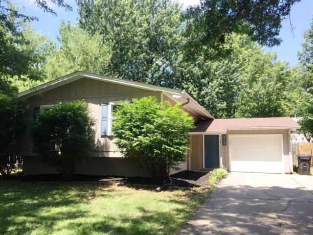 810 20th Avenue, Coralville, IA 52241 (MLS #1706445) :: The Graf Home Selling Team