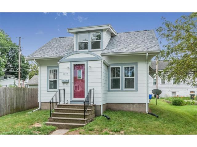 1317 Burch Avenue NW, Cedar Rapids, IA 52405 (MLS #1706480) :: The Graf Home Selling Team