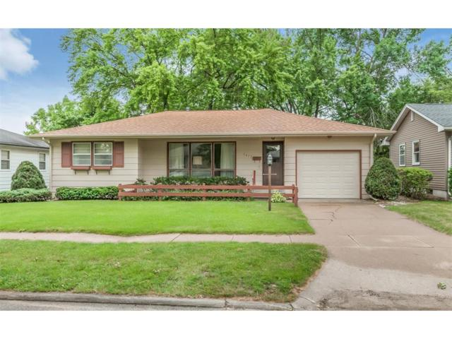 1617 47th Street NE, Cedar Rapids, IA 52402 (MLS #1706538) :: The Graf Home Selling Team
