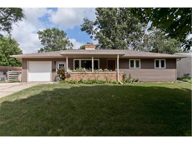 422 32nd Street SE, Cedar Rapids, IA 52403 (MLS #1707783) :: The Graf Home Selling Team
