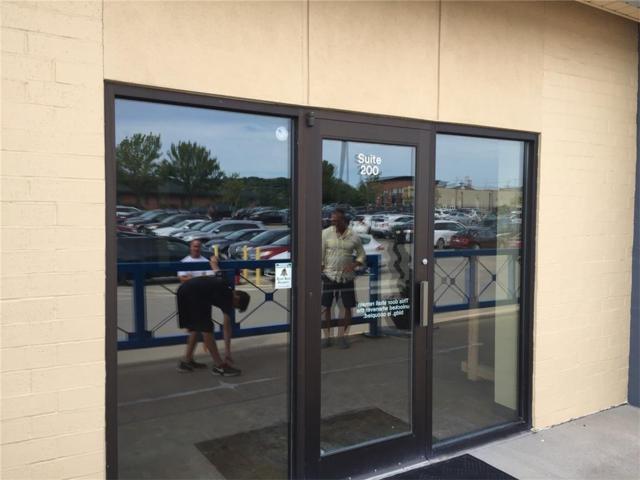 4700 Tama Street SE #200, Cedar Rapids, IA 52403 (MLS #1707784) :: The Graf Home Selling Team