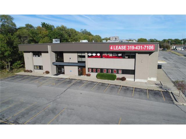 260 33rd Avenue SW A, Cedar Rapids, IA 52404 (MLS #1709219) :: WHY USA Eastern Iowa Realty