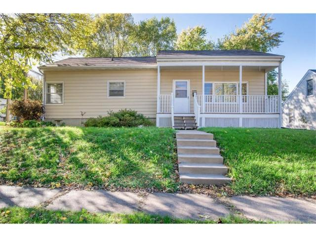 2490 2nd Street SW, Cedar Rapids, IA 52404 (MLS #1709298) :: The Graf Home Selling Team