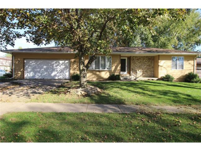 3195 7th Street, Marion, IA 52302 (MLS #1709401) :: The Graf Home Selling Team