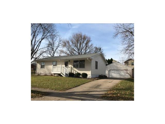 2122 29th Street SW, Cedar Rapids, IA 52404 (MLS #1710078) :: The Graf Home Selling Team