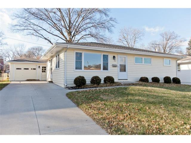 711 36th Street SE, Cedar Rapids, IA 52403 (MLS #1710170) :: The Graf Home Selling Team