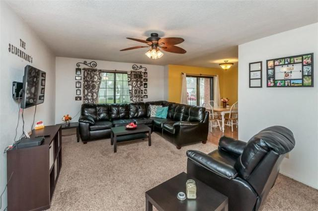 403 Crimson Drive NE #17, Cedar Rapids, IA 52402 (MLS #1802570) :: WHY USA Eastern Iowa Realty