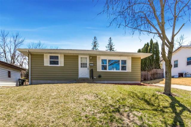 2101 Larry Drive NE, Cedar Rapids, IA 52402 (MLS #1802585) :: The Graf Home Selling Team