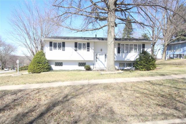 2140 Birchwood Drive NE, Cedar Rapids, IA 52402 (MLS #1802645) :: The Graf Home Selling Team
